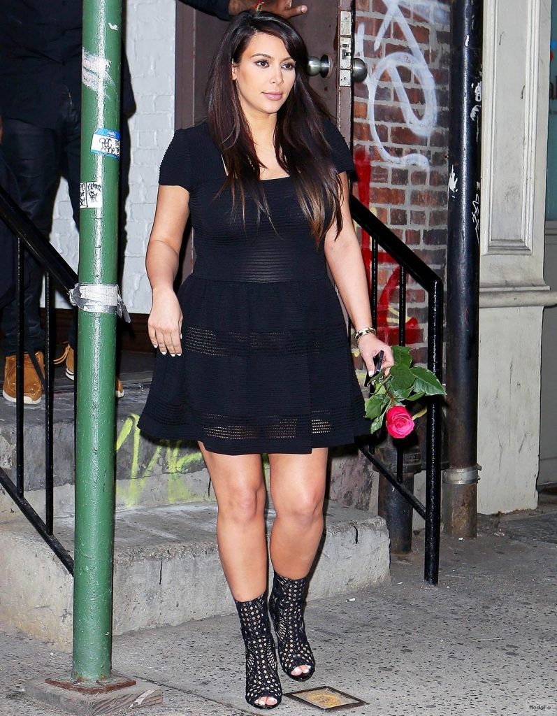 Kim Kardashian See Through Dress | Impian Wedding Trends 2015