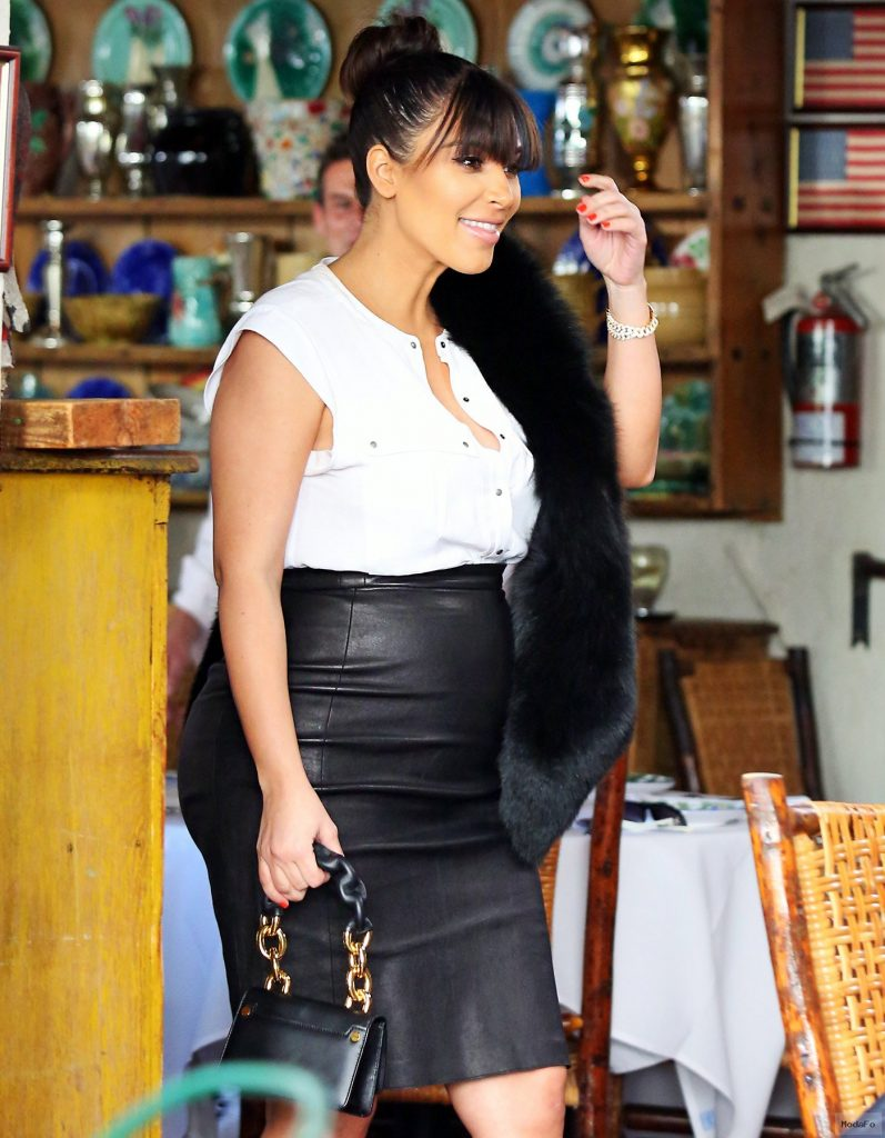 Kim Kardashian Wears Skin-tight Leather Skirt, Fur Stole in Latest …