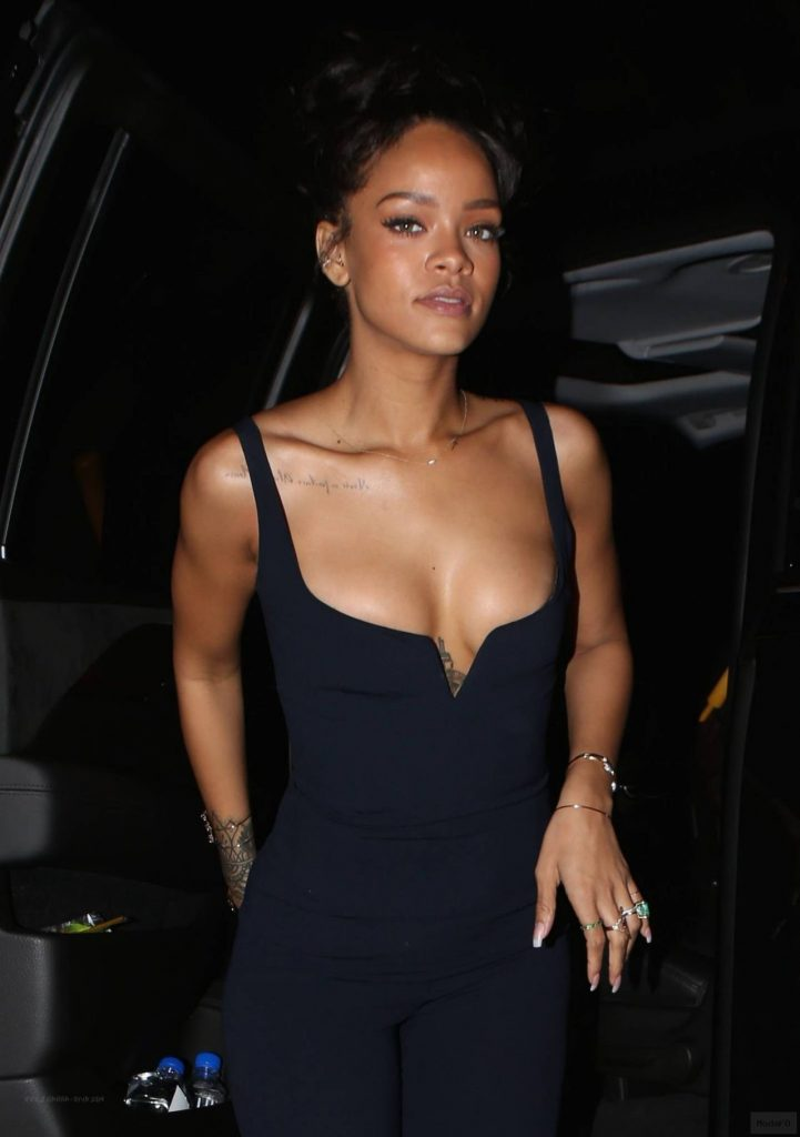 Rihanna Night Out Style - 1OAK Night Club in Los Angeles, February ...