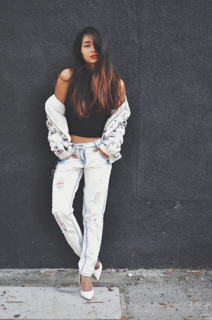 Ripped Jeans Are In Style For 2015