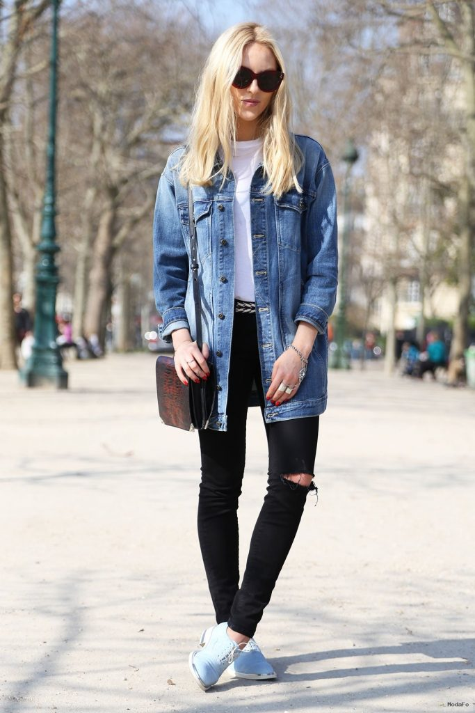 Trendy Women's Ripped Jeans 2015