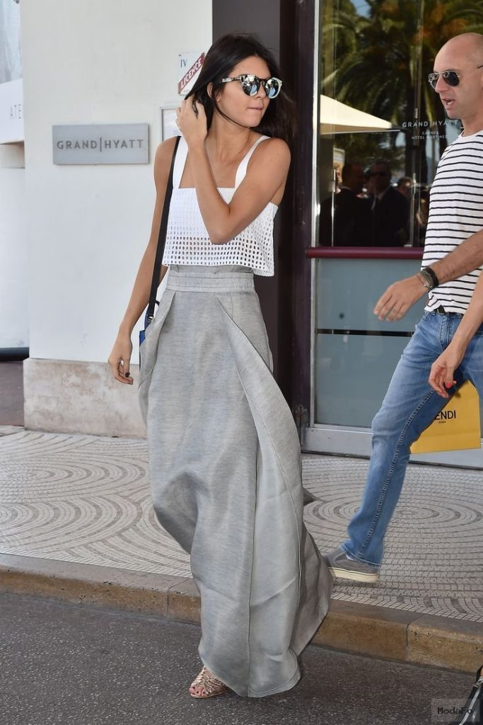 Kendall Jenner Looks Way Cooler Than We Do on a Late-Night Fast …