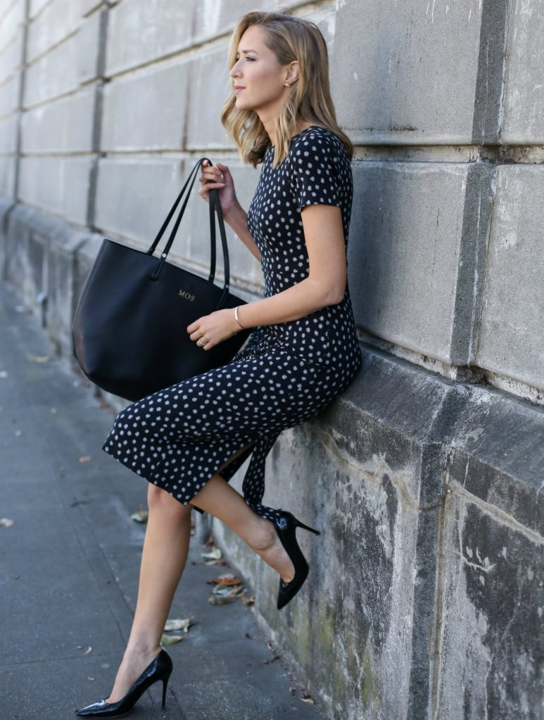 anthropologie-black-short-sleeve-sheath-dress-polka-dot-classic-work-wear-office-business-professional-women-style-fashion-(1)