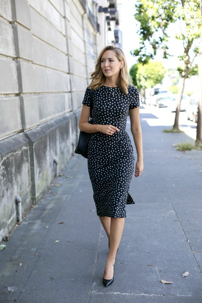 anthropologie-black-short-sleeve-sheath-dress-polka-dot-classic-work-wear-office-business-professional-women-style-fashion-(3)