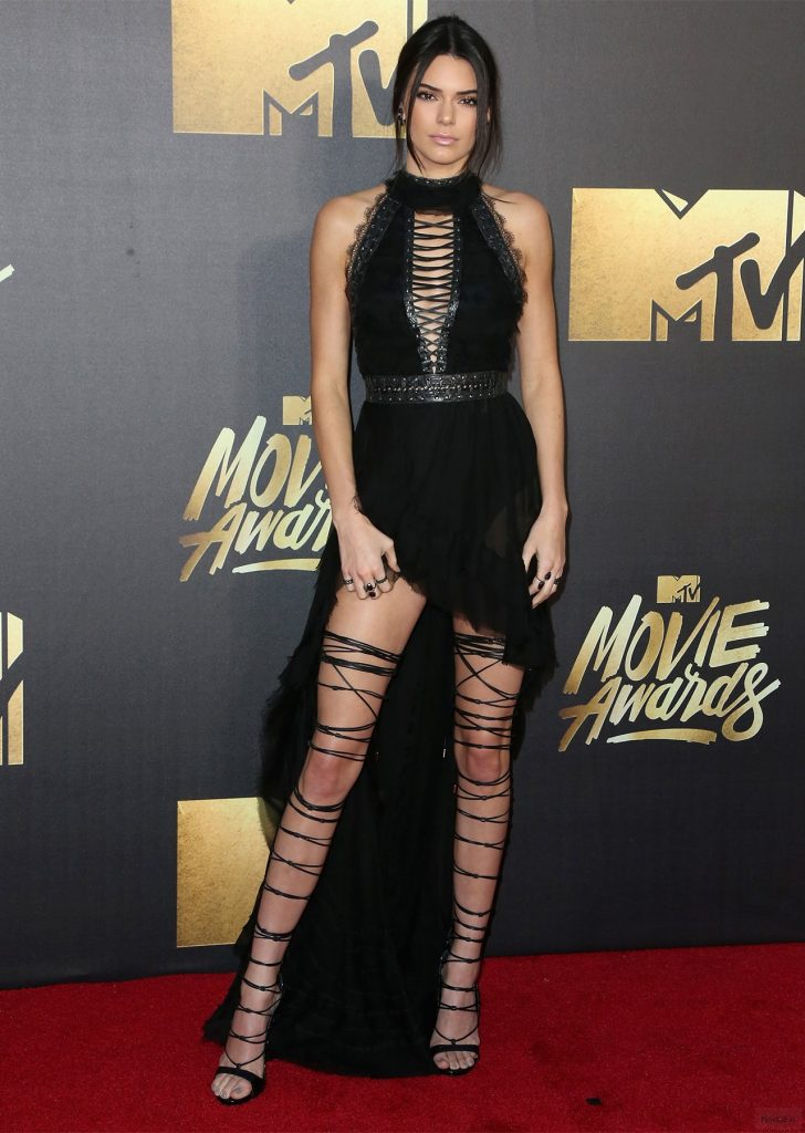 Charlize Theron and Kendall Jenner Slay the MTV Movie Awards Red ...