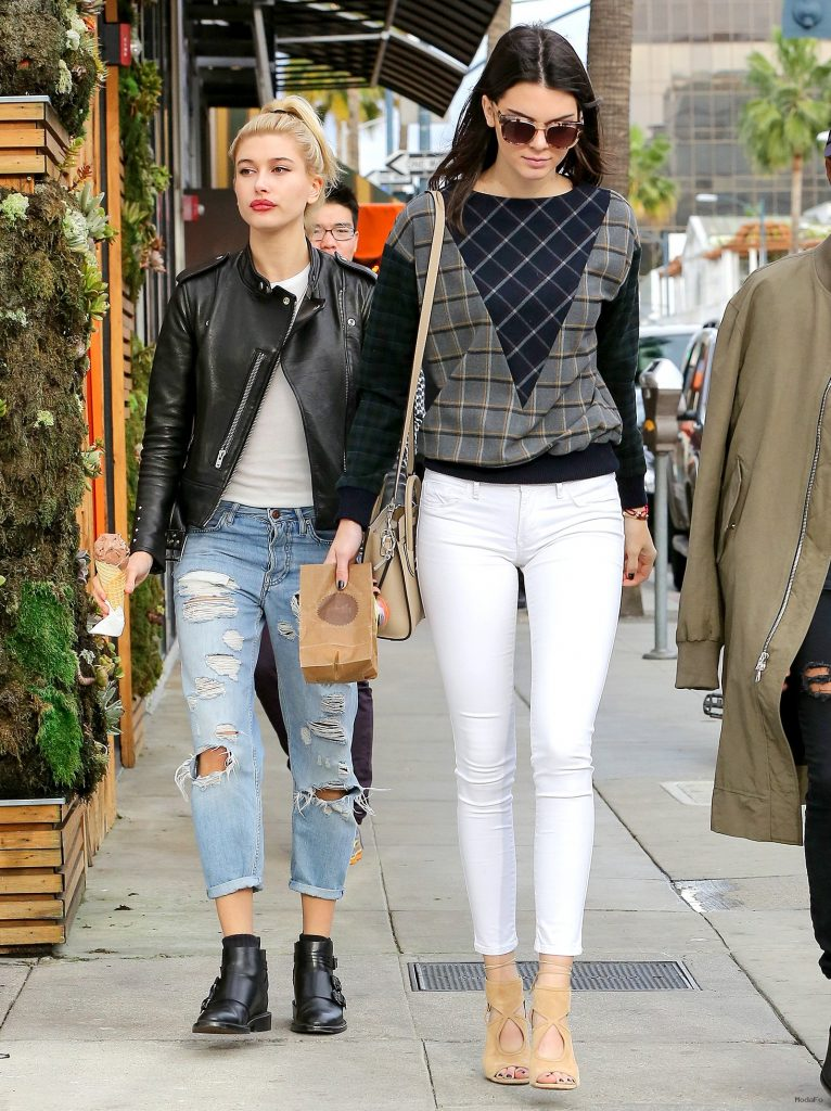 Kendall Jenner Street Style | Full HD Pictures