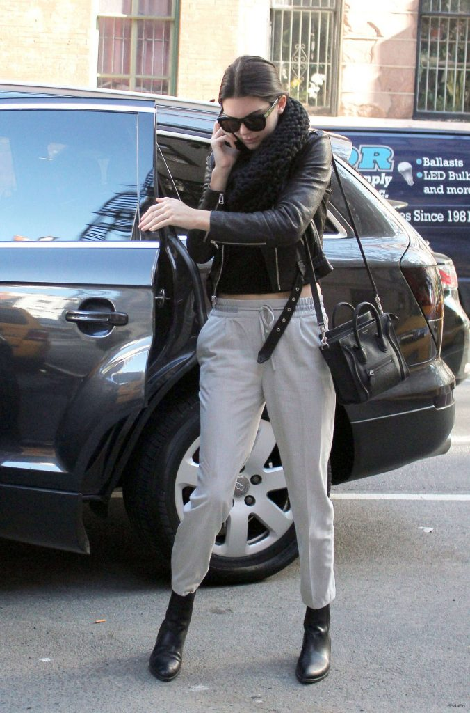 Kendall Jenner Street Style in NY -22 - GotCeleb