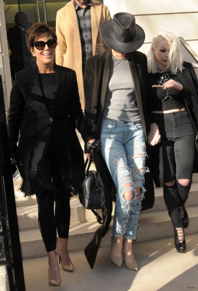 kendall-jenner-street-style-out-in-paris-11 - FABZZ