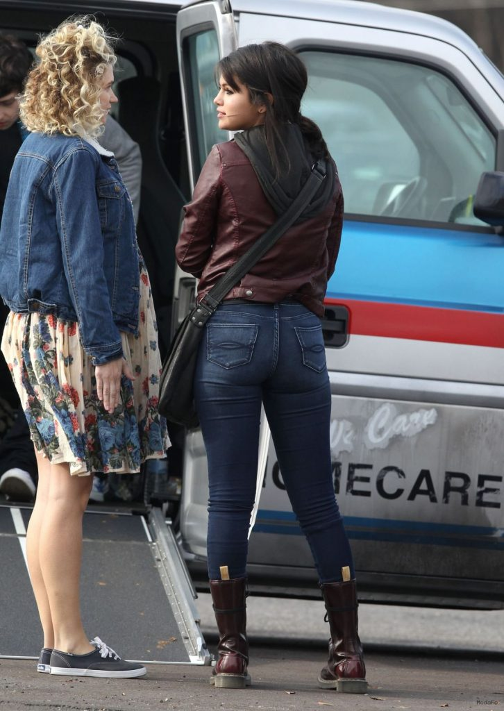 Selena Gomez Booty in Jeans – 'The Revised Fundamentals of …