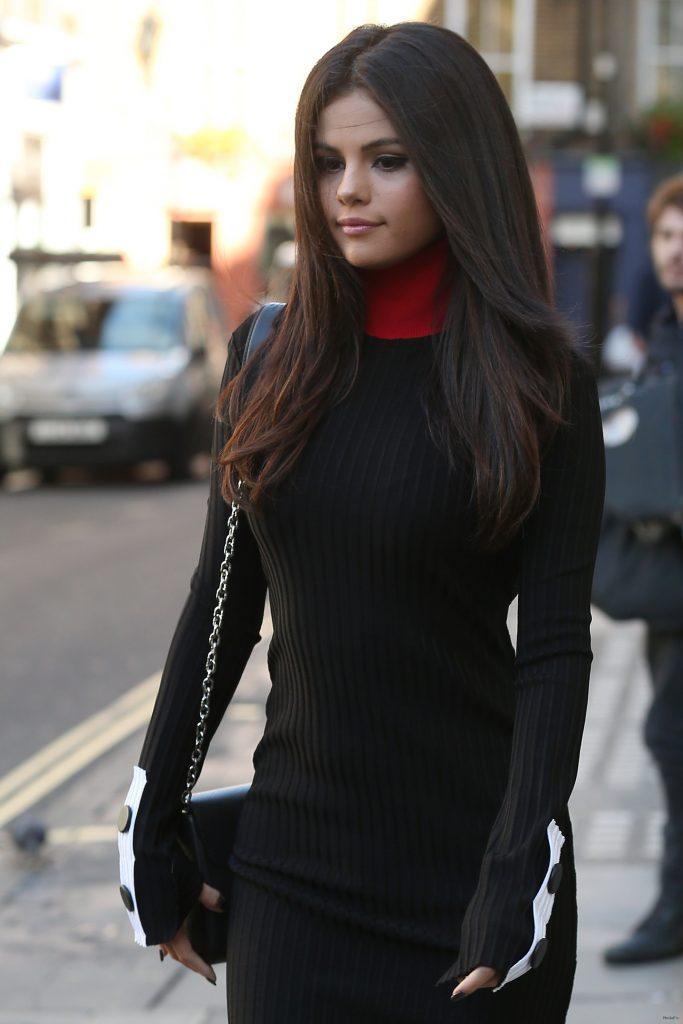 Selena Gomez Is Seriously Owning the London Street Style Game …