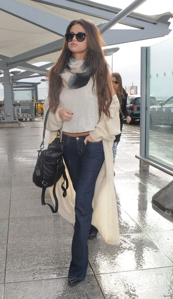 Selena Gomez Street Style – At Heathrow Airport in London …