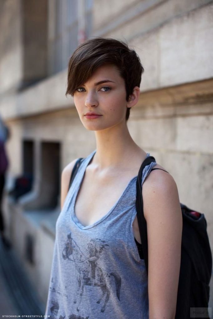 Ideal And Cool Outfits Ideas For Short Hair 2016