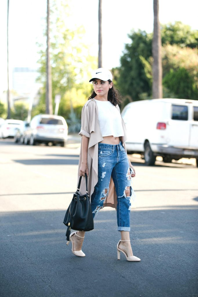 Sporty Chic in a Baseball Cap – Sazan