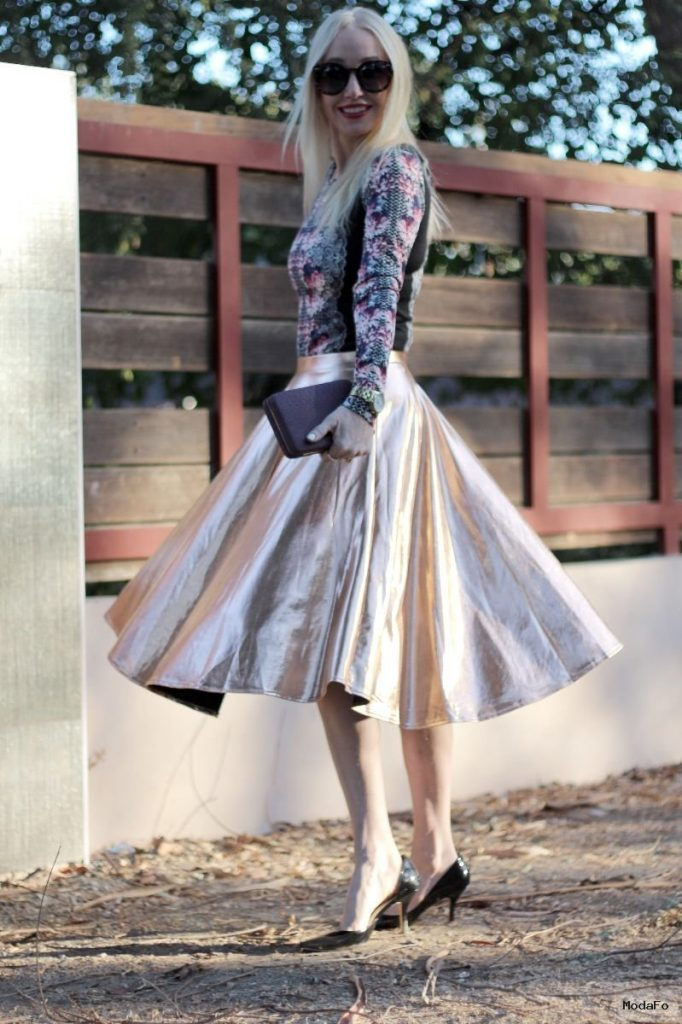 How to Style-Up Metallic Midi Skirt to Look Different – Designers …