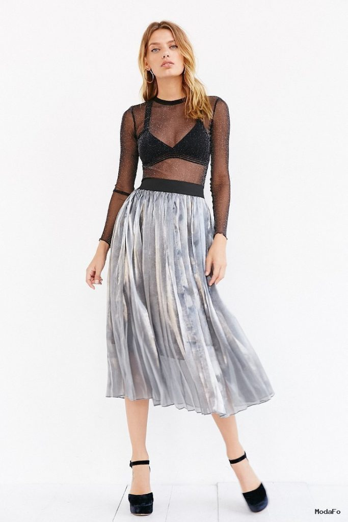Joa Pleated Metallic Midi Skirt in Silver | Lyst